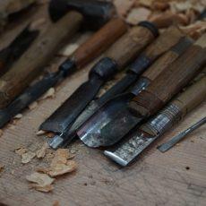 Intagliare il legno: come iniziare, consigli e idee