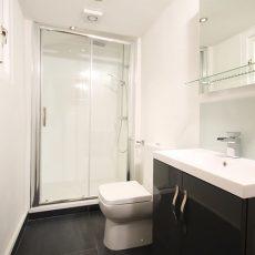 Bathroom Furniture: è possibile acquistare sul sito ufficiale? che prodotti propone?